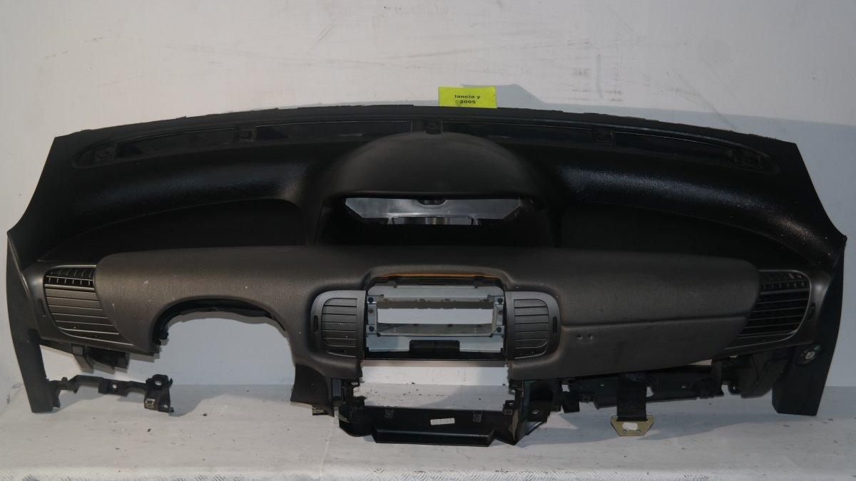 Lancia y dal 2004 al 2010 cruscotto lay0188 for Interno lancia y